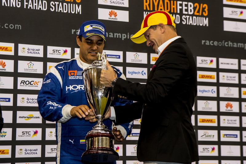 Juan Pablo Montoya en el podio
