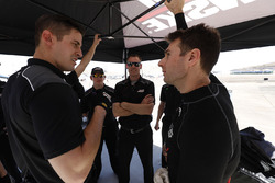 Will Power, Team Penske Chevrolet, crew, engineers