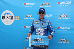 Pole: Kevin Harvick, Stewart-Haas Racing, Ford Fusion Busch Light