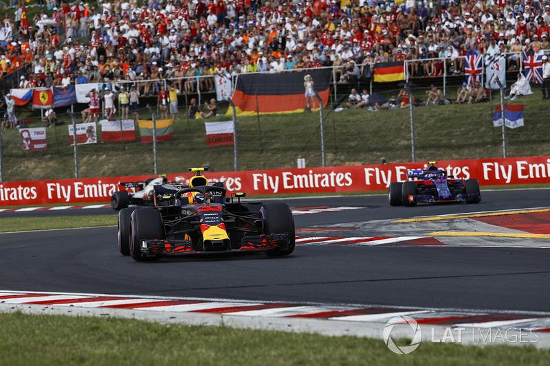 RED BULL - Max Verstappen e Pierre Gasly