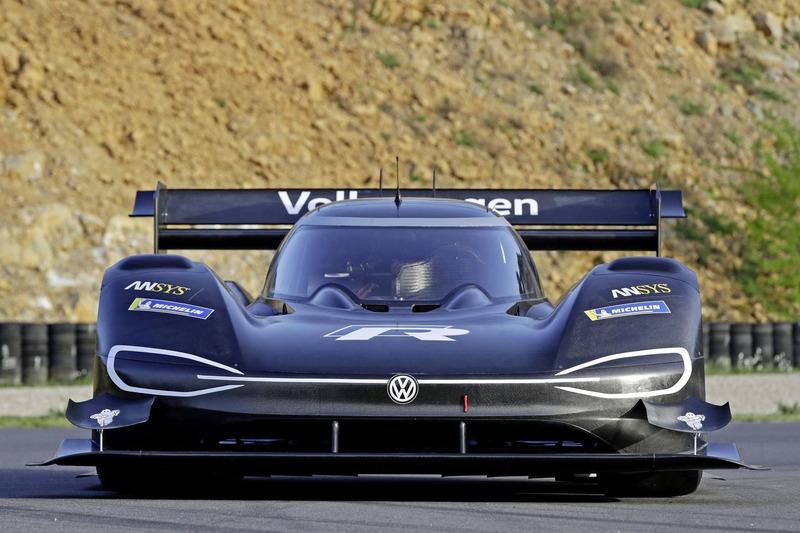Autó VW a Pikes Peaken: amikor egy felvarrható logó jelenti a többletsúlyt