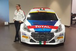 Anna Andreussi con la Peugeot 208 T16