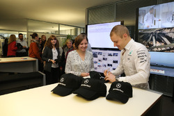 Valtteri Bottas, Mercedes AMG F1 signs autographs for Mercedes-Benz employees