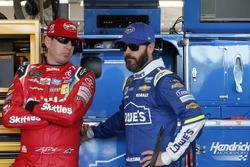 Kyle Busch, Joe Gibbs Racing Toyota; Jimmie Johnson, Hendrick Motorsports Chevrolet