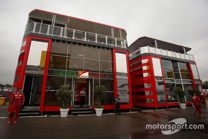 Моторхоум Ferrari