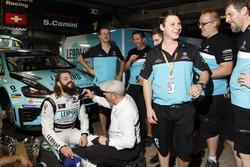 Champion Stefano Comini, Leopard Racing, Volkswagen Golf GTI TCR get a hair cut