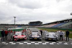 Gruppenfoto: Die DTM-Fahrer 2017 mit Gerhard Berger, ITR; Dieter Gass, Audi; Jens Marquardt, BMW; Ullrich Fritz, Mercedes; Florian Zitzlsperger, ITR
