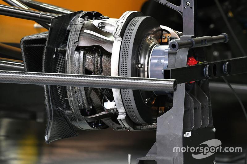 Renault Sport F1 Team RS17 front disc brake detail