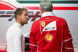 Sebastian Vettel, Ferrari, Maurizio Arrivabene, Teamchef, Ferrari