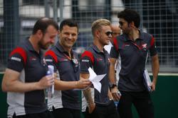 Kevin Magnussen, Haas F1 Team VF-17, lors d'une reconnaissance de piste