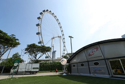 F1 Coomunications building and Singapore Flyer
