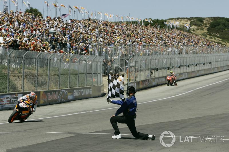 Bandiera a scacchi per Nicky Hayden, Repsol Honda Team