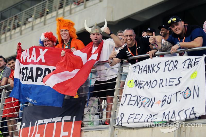 Fans de Max Verstappen, Red Bull Racing en la tribuna
