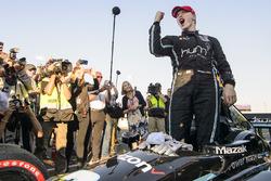Чемпион IndyCar 2017 года Джозеф Ньюгарден
