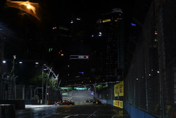 Sebastian Vettel, Ferrari SF70H, Max Verstappen, Red Bull Racing RB13, Daniel Ricciardo, Red Bull Racing RB13, on the formation lap