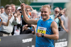Valtteri Bottas compte en el primer Duathlon Valtteri Bottas