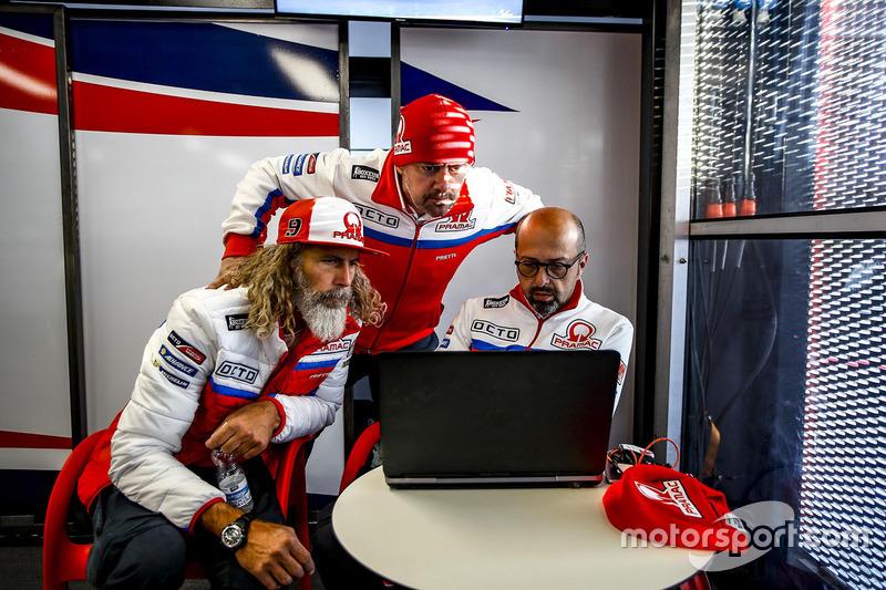 Alex Ghini, Director de hospitalidad Pramac Racing, Federico Cappelli, oficial de prensa y Jacopo Menghetti, Gerente de marketing.