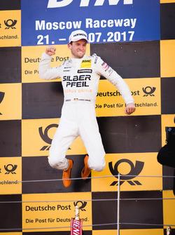 Podyum: Yarış galibi Maro Engel, Mercedes-AMG Team HWA, Mercedes-AMG C63 DTM