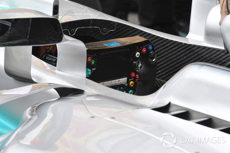 Mercedes F1 W08: Lenkrad