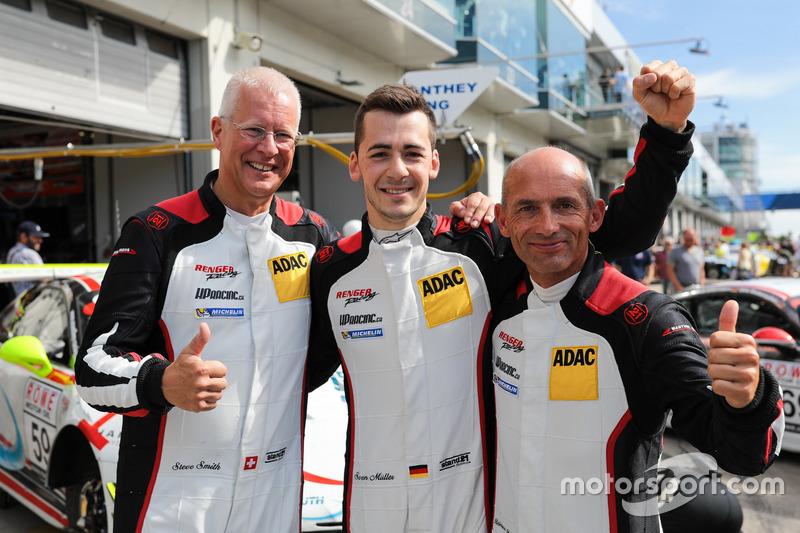 Pole-Postion für 'Steve Smith', Sven Müller, 'Randy Walls', Porsche 911 GT3 R