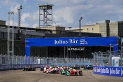 Start: Lucas di Grassi, ABT Schaeffler Audi Sport, führt