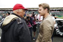 Niki Lauda, Non-Executive Chairman, Mercedes AMG F1, talks to Nico Rosberg
