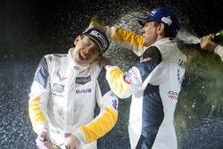 GTLM-подіум: Олівер Гавін, Томмі Мілнер, Corvette Racing