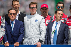 FIA Action for Road Safety photoshoot: actor Brad Pitt with #7 Audi Sport Team Joest Audi R18: Andre Lotterer, Benoit Tréluyer, #2 Porsche Team Porsche 919 Hybrid: Neel Jani, Marc Lieb