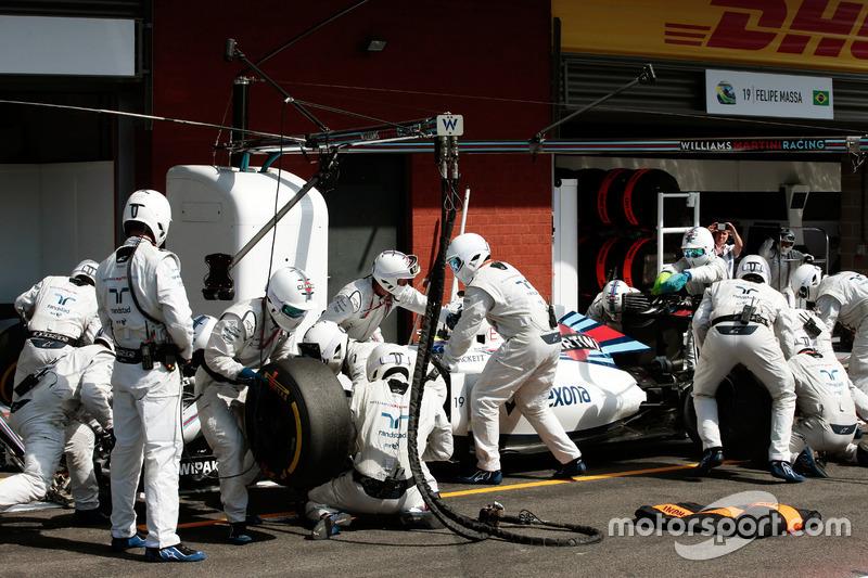 Felipe Massa, Williams FW38 fa un pit stop