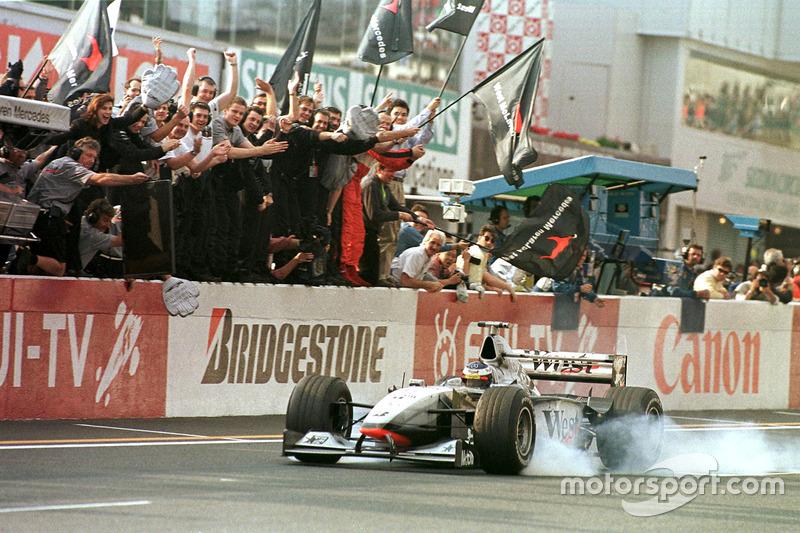 Com a vitória no Japão, Mika carimbou o título de 1998