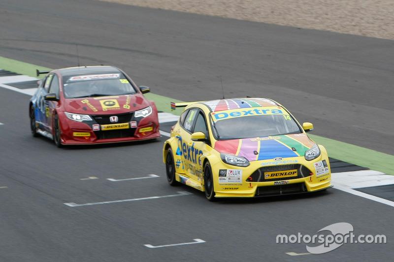 #14 Alex Martin, Dextra Racing, Ford Focus