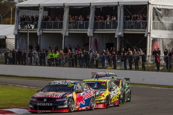 Shane van Gisbergen, Triple Eight Race Engineering Holden dan Chaz Mostert, Rod Nash Racing Ford