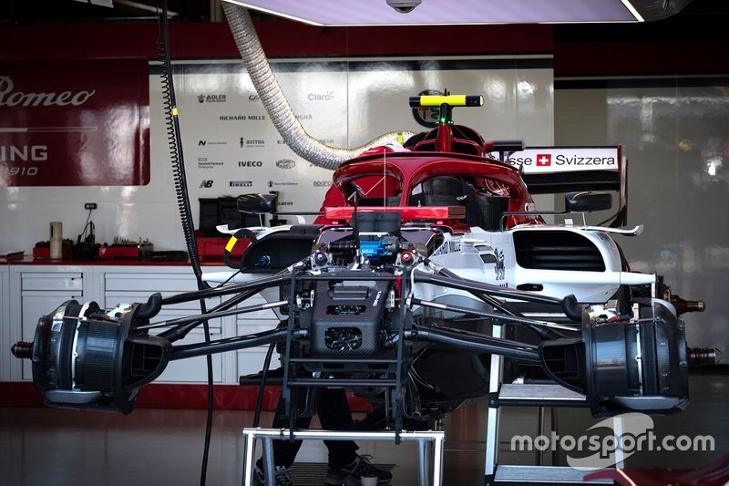 Alfa Romeo C38: si osserva lo schema della sospensione anteriore con il bracket
