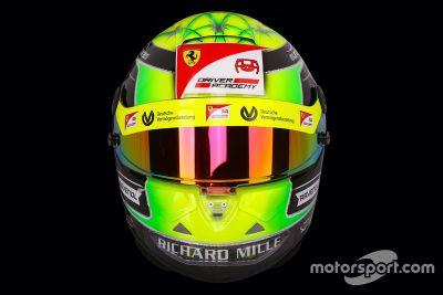 Presentazione del casco di Mick Schumacher