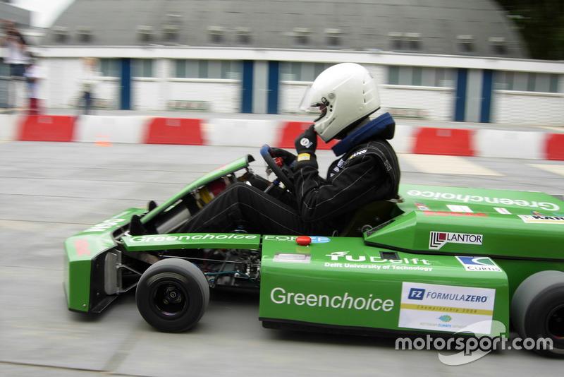 Test met waterstofkart van Forze Hydrogen Electric Racing