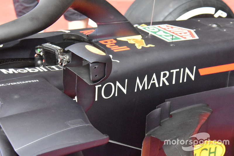 Red Bull Racing RB14, дзеркала заднього виду