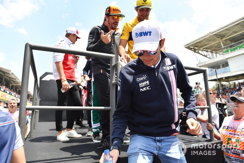 Естебан Окон, Racing Point Force India F1 Team, Карлос Сайнс-мол, Renault Sport F1 Team та Фернандо Алонсо, McLaren