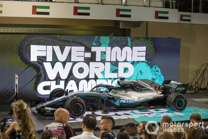 El coche de Lewis Hamilton, Mercedes-AMG F1 W09 en Parc Ferme