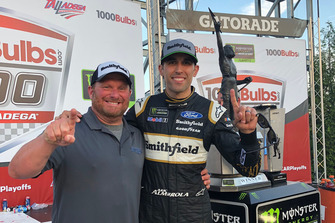 Race winner Aric Almirola, Stewart-Haas Racing with spotter Joel Edmonds
