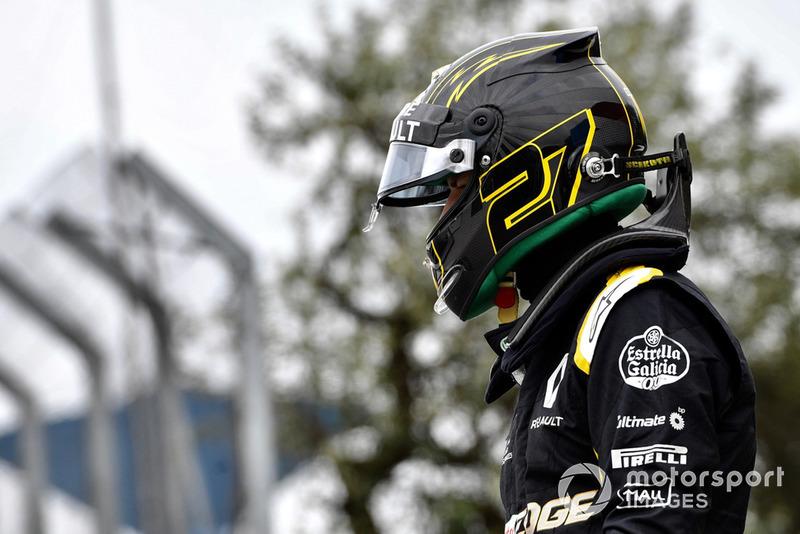 Nico Hulkenberg, Renault Sport F1 Team R.S. 18 after crashing in FP2