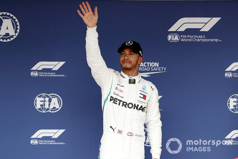 Pole sitter Lewis Hamilton, Mercedes AMG F1