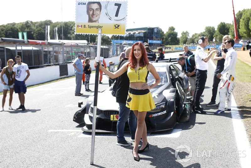 La grid girl di Bruno Spengler, BMW Team RBM