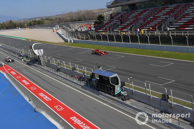 Sebastian Vettel, Ferrari SF90 and Kimi Raikkonen, Alfa Romeo Racing C38