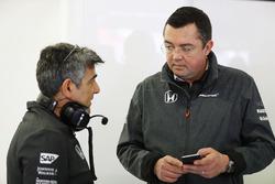 Peter Prodromou, Jefe de ingenieros de McLaren, Eric Boullier, director de carreras de McLaren