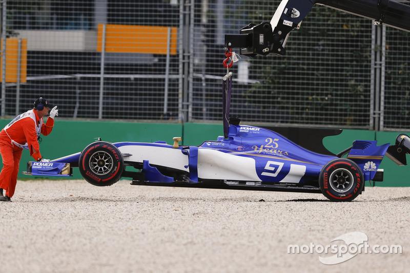 Bergung des Unfallautos von Marcus Ericsson, Sauber C36