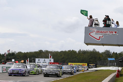 Start: Austin Cindric, Brad Keselowski Racing Ford, Justin Haley, GMS Racing Chevrolet