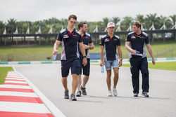 Pierre Gasly, walks the track, colleagues