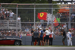 Esteban Ocon, Force India, Romain Grosjean, Haas F1 Team, Fernando Alonso, McLaren