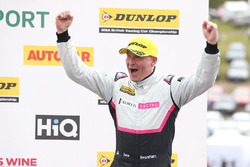 Podium: Dave Newsham, BTC Racing Chevrolet Cruze