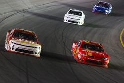 Michael Annett, JR Motorsports Chevrolet e Justin Allgaier, JR Motorsports Chevrolet